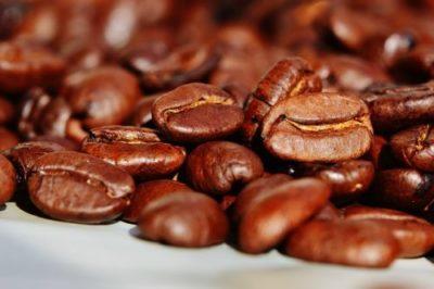 schlechte gerüche mit kaffee entfernen